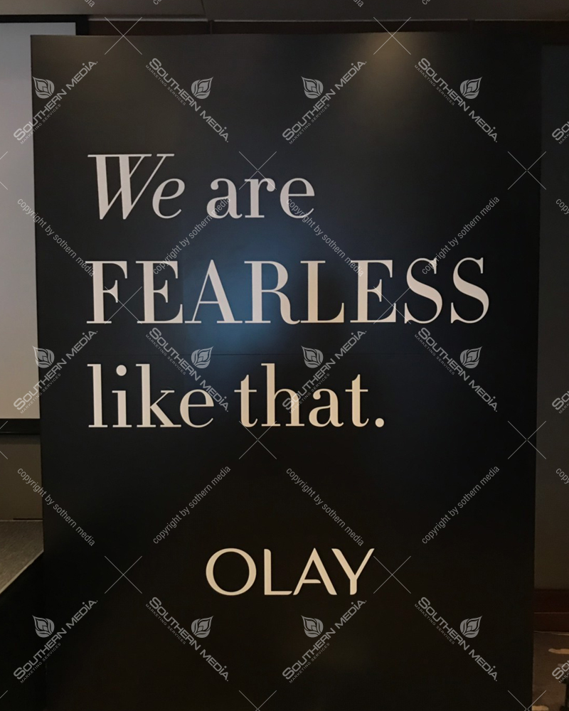 Real-photo OLAY